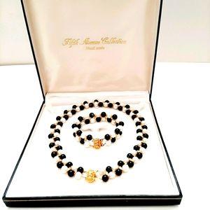 Elegant Freshwater Pearl & Onyx Jewelry Set
